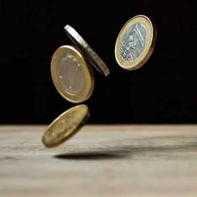 moedas caindo